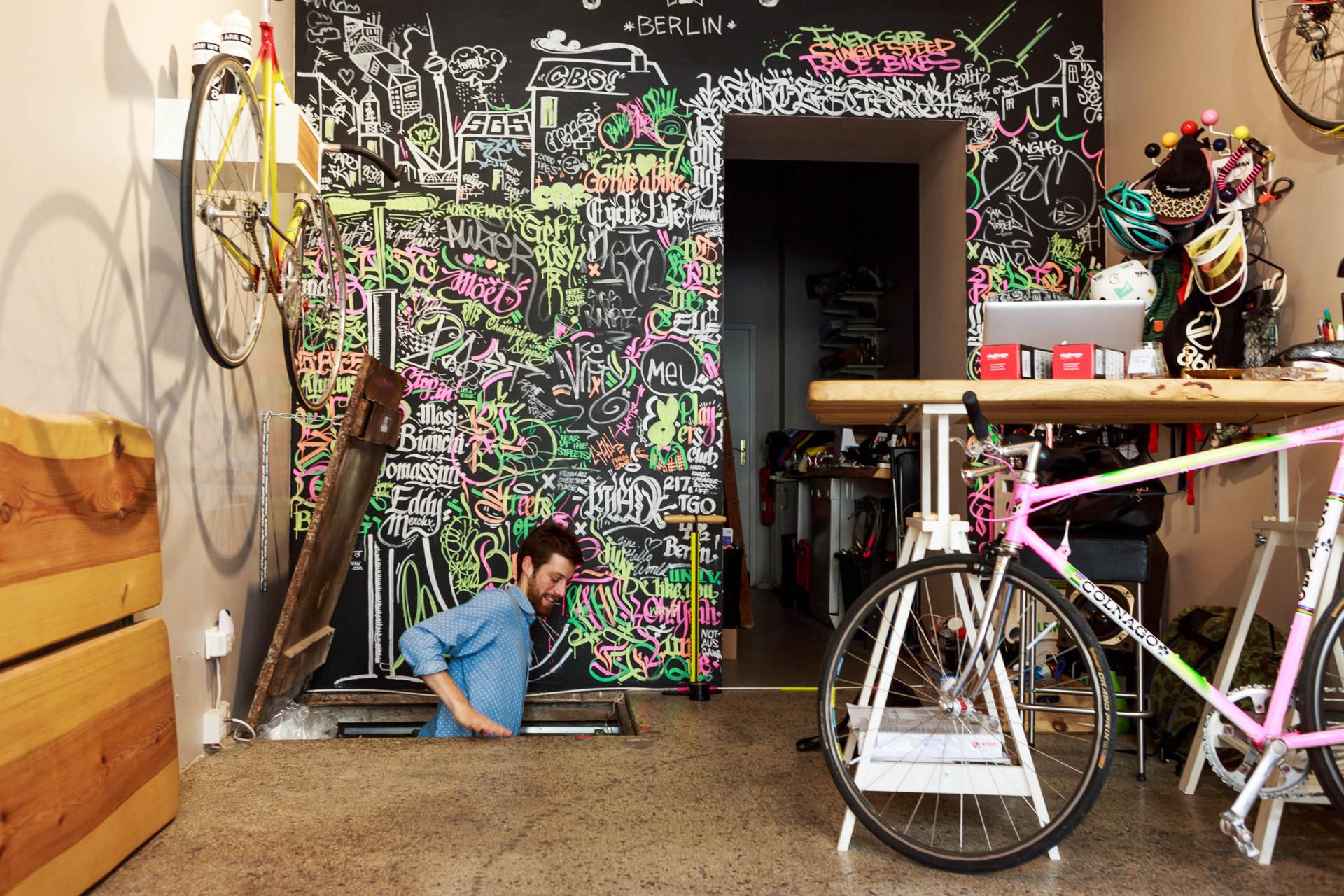 12-Standert-Bike-Store-Berlin