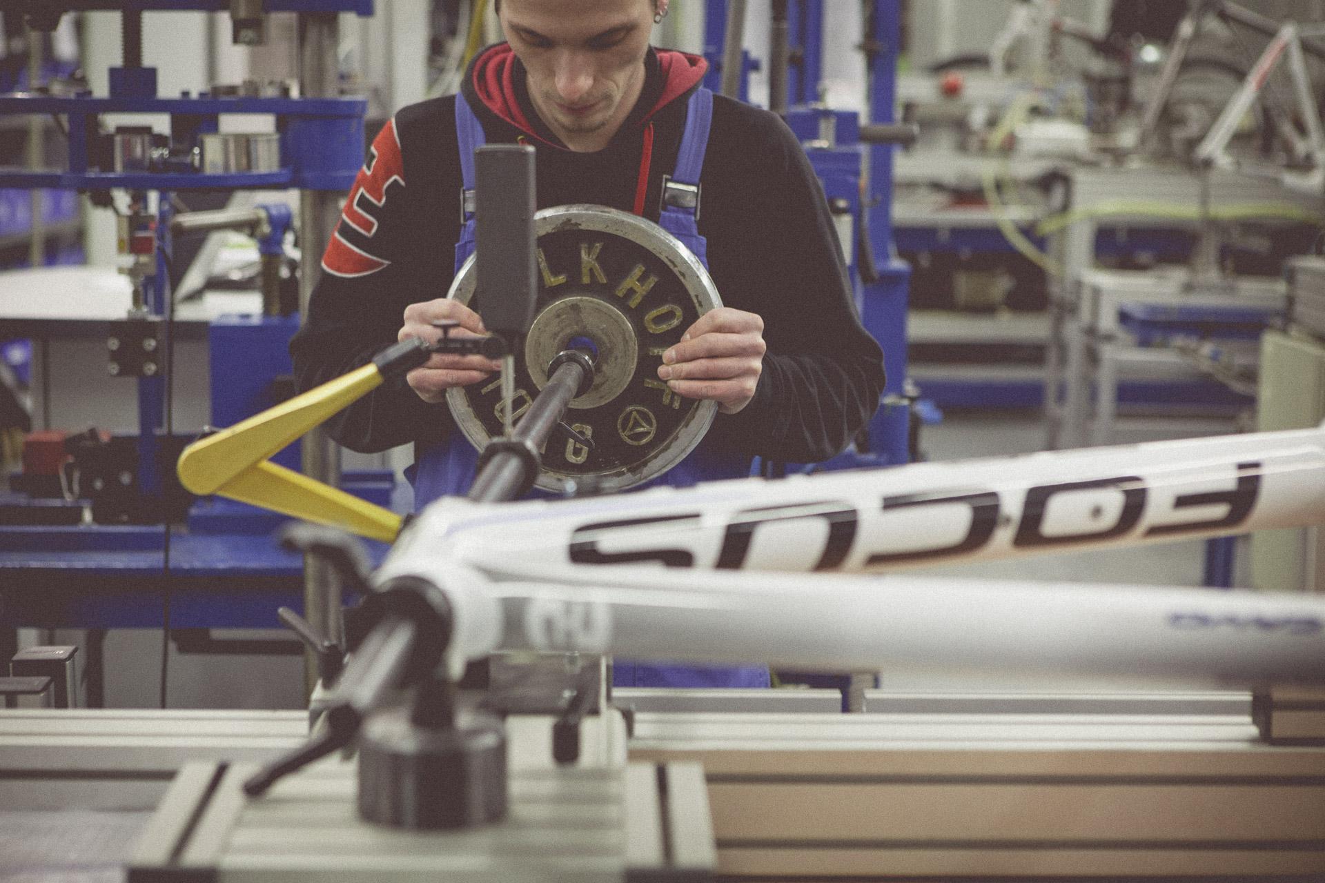 46-Derby-Cycle-Werke-Fahrradproduktion