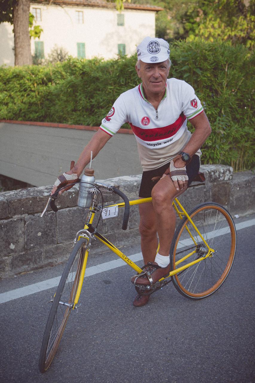 17-l-eroica-retro-bike-race