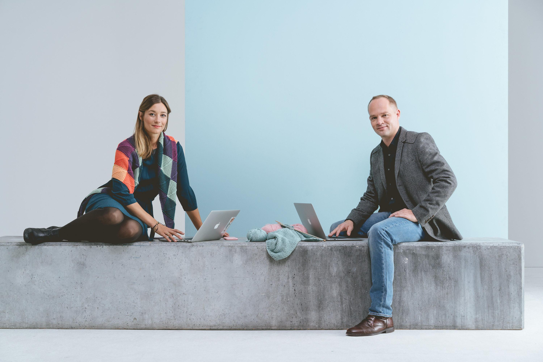 Portrait Startupgründer Amber Riedl und Axel Heinz